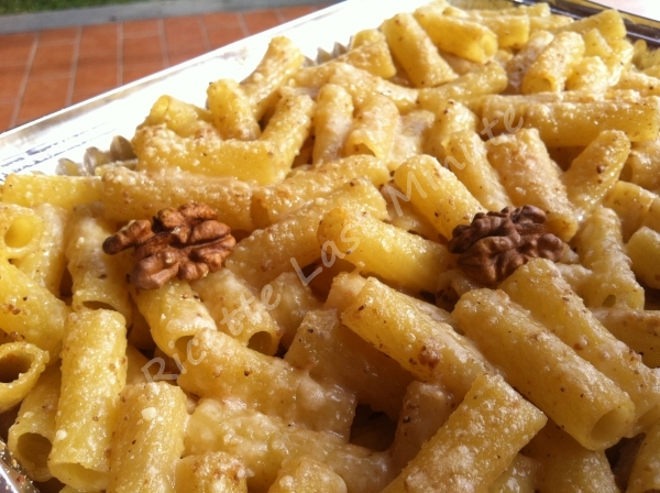 Ricetta pasta con il sugo di noci