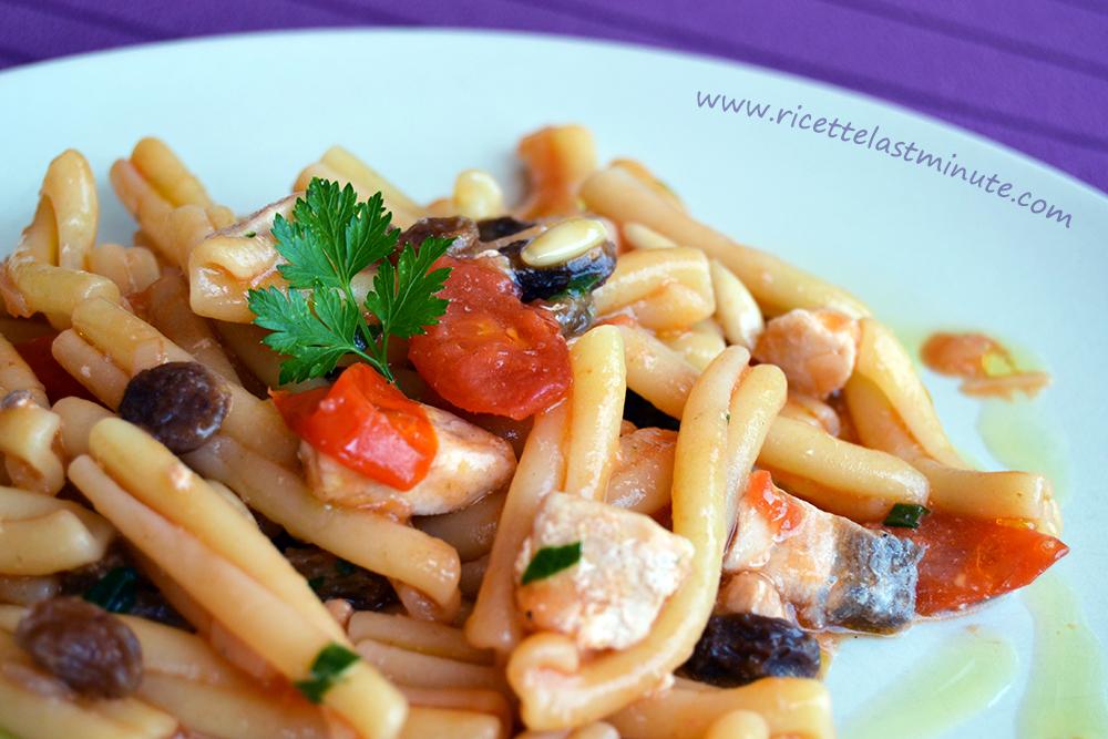 Pasta Con Pesce Spada Pinoli E Uvetta Ricette Last Minute