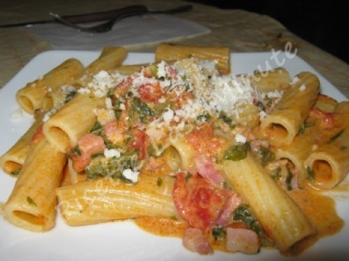 Ricette pasta con rucola e pomodorini